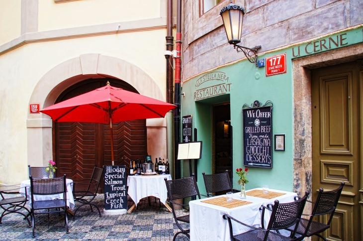 restaurant-1530014_1920.jpg